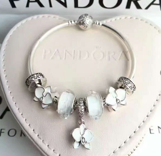 how to put on a pandora bracelet
