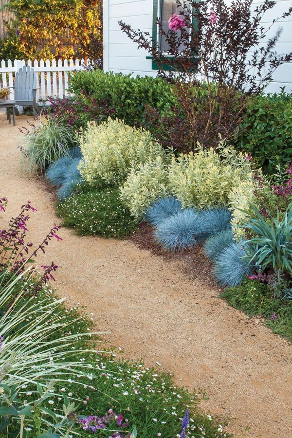 It S Easier Than It Looks Designing The Sunset Smart Cottage Garden Xeriscape Front Yard Xeriscape Landscaping Side Garden