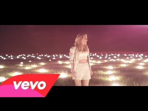 Ellie Goulding - Burn - YouTube   Loved the colors... yellows and purples