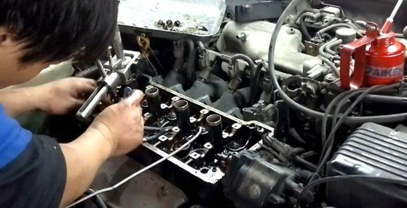 Видео по замене маслосъёмных колпачков на клапанах двигателя Тойота Королла 1.8 л. 1994 г. 7A-FE A245E