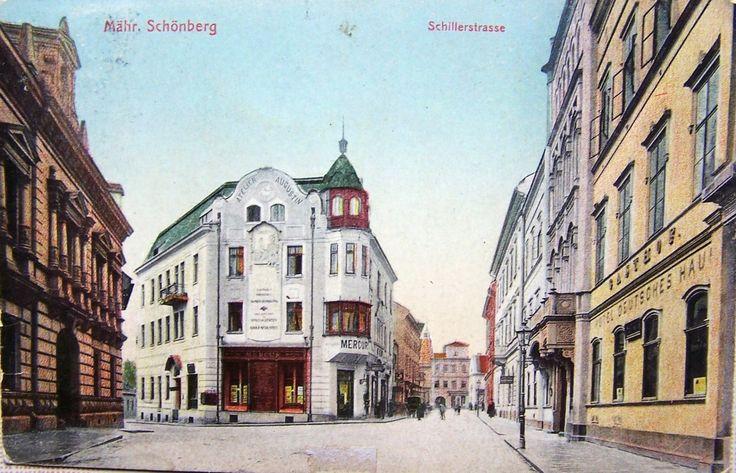 11   Eisensteinův dům (zcela vlevo)