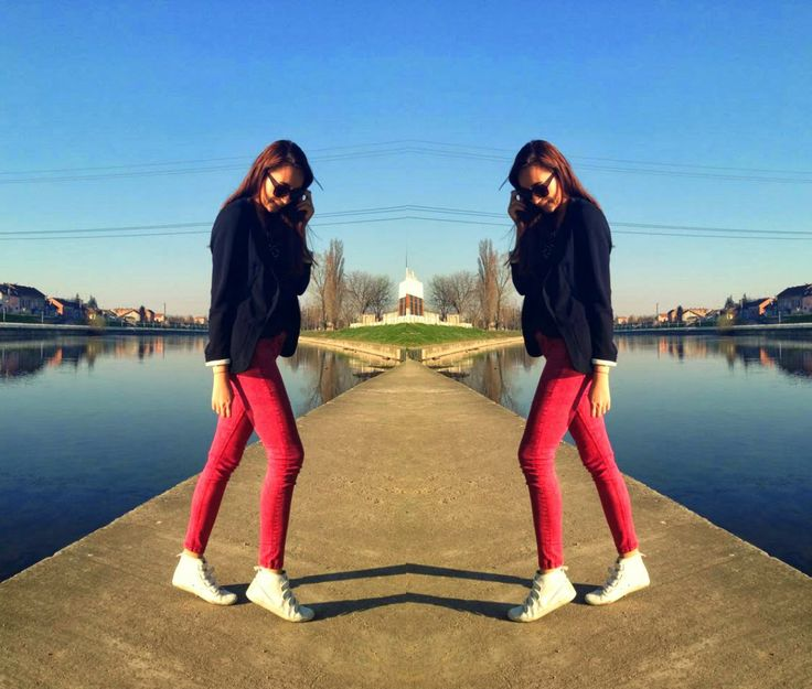 Roxanne: Red jeans and printed tee