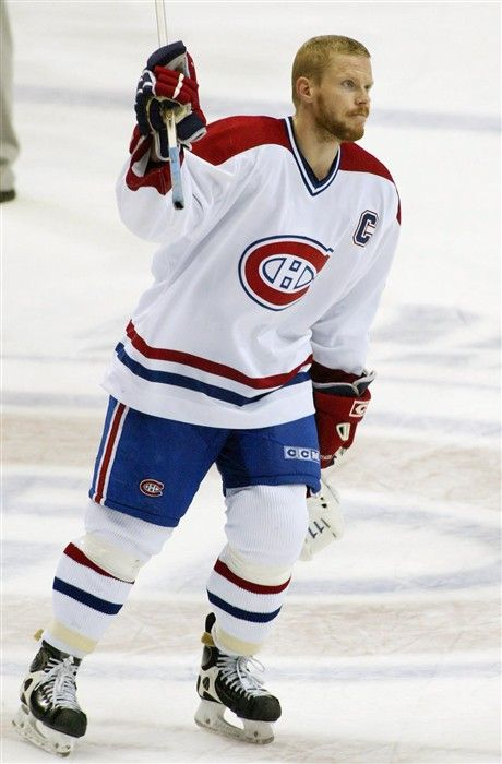 Montreal #Canadiens Saku Koivu. Probably the greatest beard of all-time. Koivu had just returned to the NHL after battling cancer.