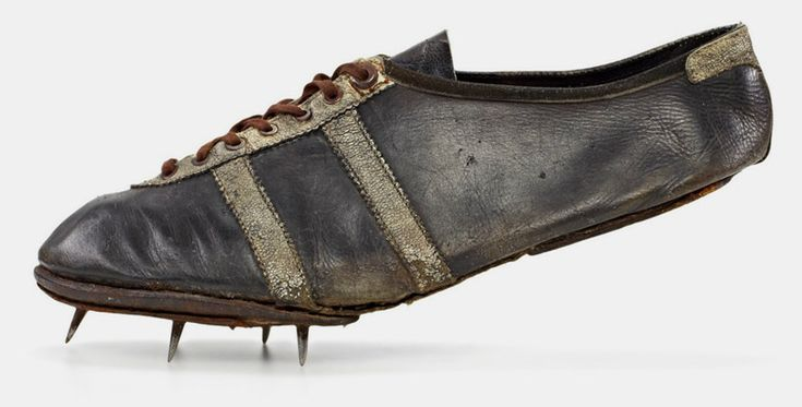 james cleveland owens – modell waitzer – 1936, sprint shoe worn at the olympic games in berlin shoe size: 7,5 (uk), 162 g