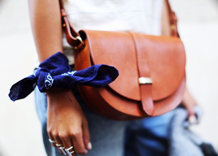 http://www.sezane.com/us/e-shop/fall-winter-collection-bags-accessories?stypmod_Id=2 http://rstyle.me/n/bb3rd4bipe