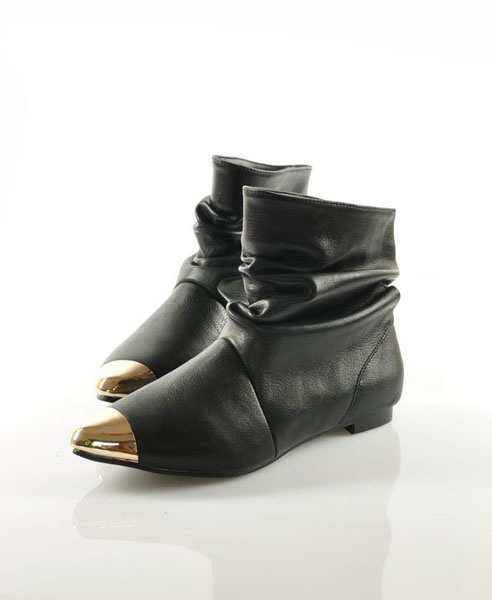 chicnova - Black Vintage Pleated Boot with Golden Metal Tip