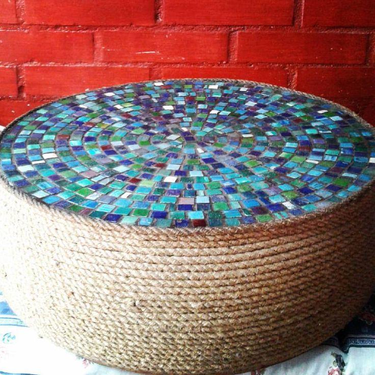 Resultado final... esta mesa esta en un 85% hecha de materiales reciclados... realmente esta bella... no es porque yo lo diga...