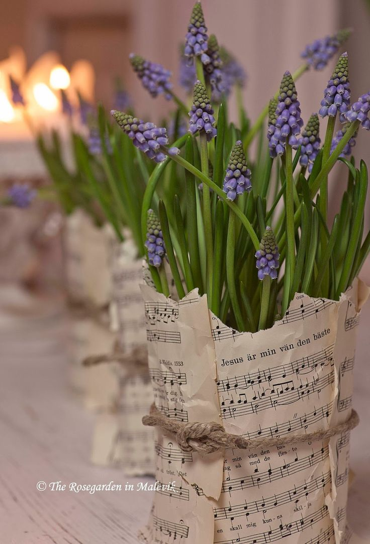 Oooo! Would love to wrap an arrangement in old hymns for a church gathering!