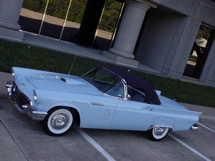 Classic 1957 Ford Thunderbird For Sale 2108990 79 500 Dallas Texas 1957 Thunderbird Starmist Blue Convertible P Ford Classic Cars Thunderbird Classic Cars