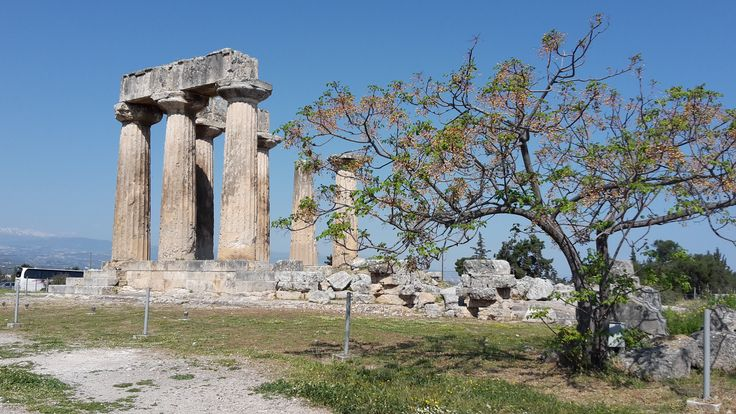The Temple of Apollon in Ancient Corinth!