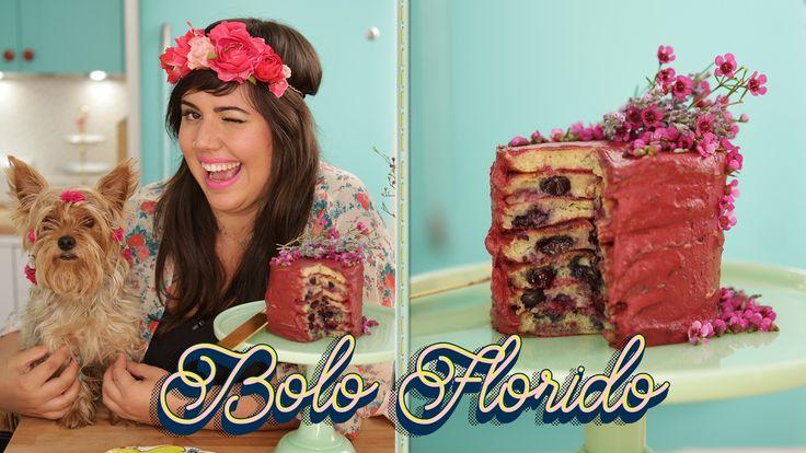 Raiza Costa ensina a fazer um bolo de panqueca com cobertura de amora e lavanda