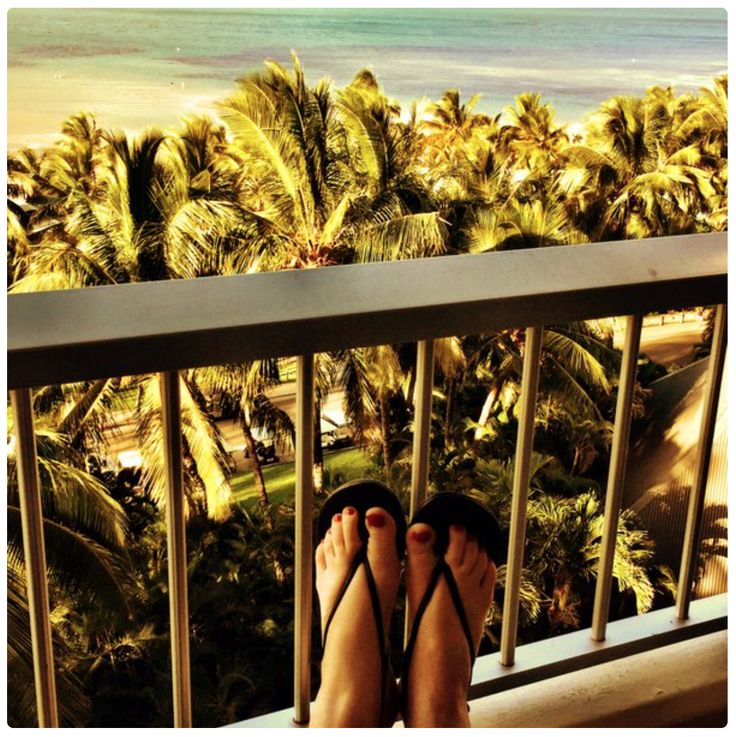 Travel blogger JPTravelgirl in Slinks #travelbloggers #jptravelgirl #slinks