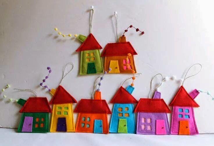 ARTESANATO COM QUIANE - Paps,Moldes,E.V.A,Feltro,Costuras,Fofuchas 3D: casinhas de feltro,lindas e com molde!