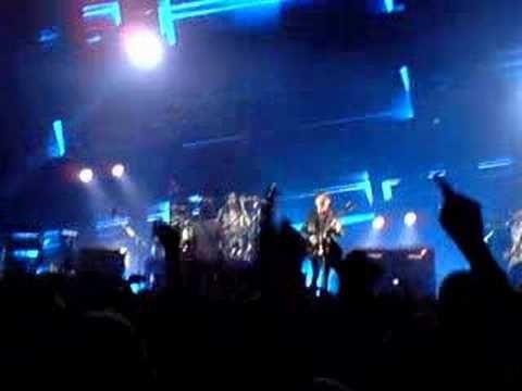Kings of Leon @ SECC, Glasgow 3/12/07 - The Bucket - http://www.billyfranks.com/kings-of-leon-secc-glasgow-31207-the-bucket/