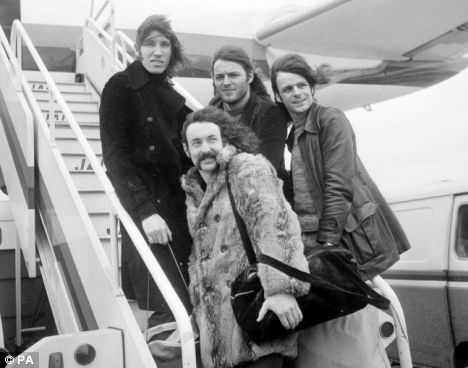 Pink Floyd Band | Pink Floyd band members in 1972: From left to right, Roger Waters ...