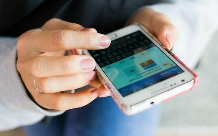 """""""Sosiaalisesta mediasta on nousemassa merkittävä asiakaspalvelukanava puhelimen ja sähköpostin rinnalle"""" - Nämä ärsyttävät suomalaisia asiakaspalveluiden some-kanavissa - Markkinointi & Mainonta"""