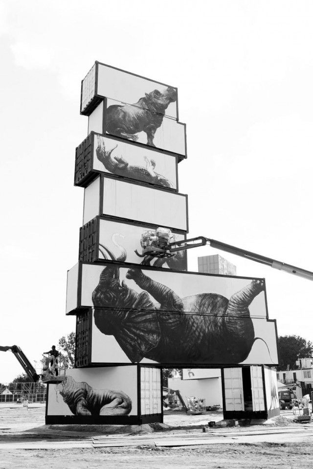 ROA – North West Walls  On the occasion of the music festival Rock Werchter which took place in Belgium from 3rd to 6th of July, North West Walls proposed exposure of creations from various artists curated by Arne Quinze. Among the different artists, the Belgian ROA has done well by giving us gigantic representations of animals on different containers. Wonderful creations to discover.