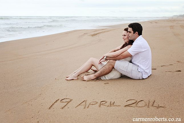 Loved this idea for a save the date! Tarryn & Ricardo's Engagement Shoot. Carmen Roberts Photography.