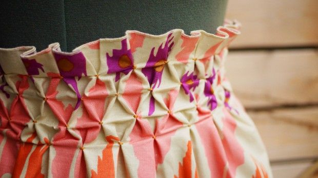 Definitely want to try this on a skirt, sweater, or pillow!: Skirts Tutorials, Waist Skirts, Honeycombs Skirts, Smocking Tutorials, Diy Smocking, Diy Ropa, Smocking Skirts, Honeycombs Smocking, Smocking Honeycombs