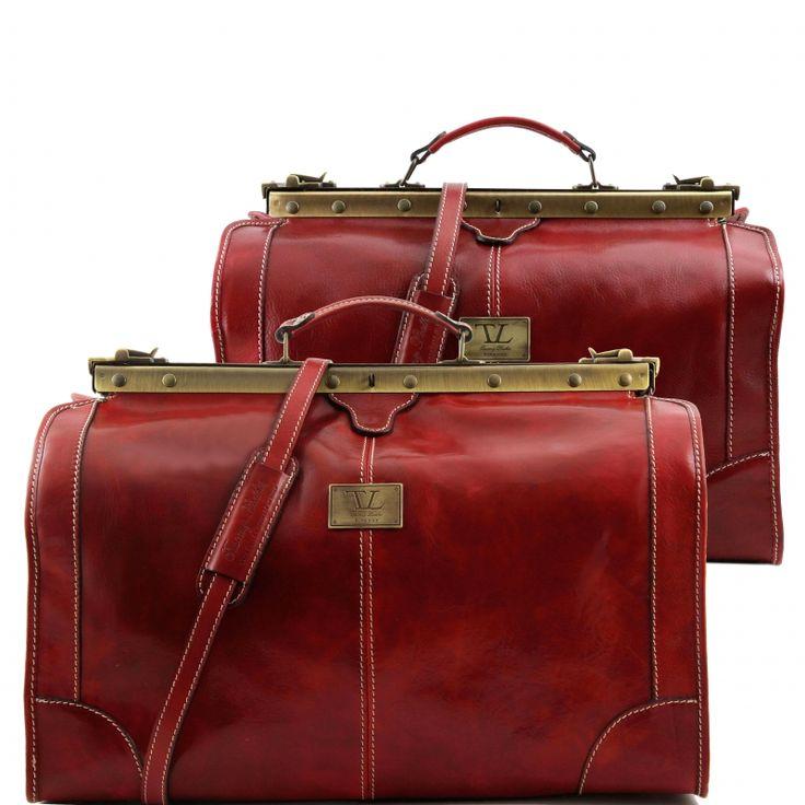 Prachtige luxueuze leren reisset / reiscombinatie, gemaakt in Italië. Plantaardig gekleurd volgens traditionele Toscaanse traditie.De buitenkant van de tas is van op Toscaanse wijze - dus op traditionele wijze - gelooid leer. - € 451,00