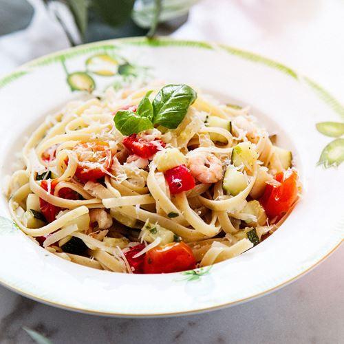 Linguini med räkor och frästa grönsaker