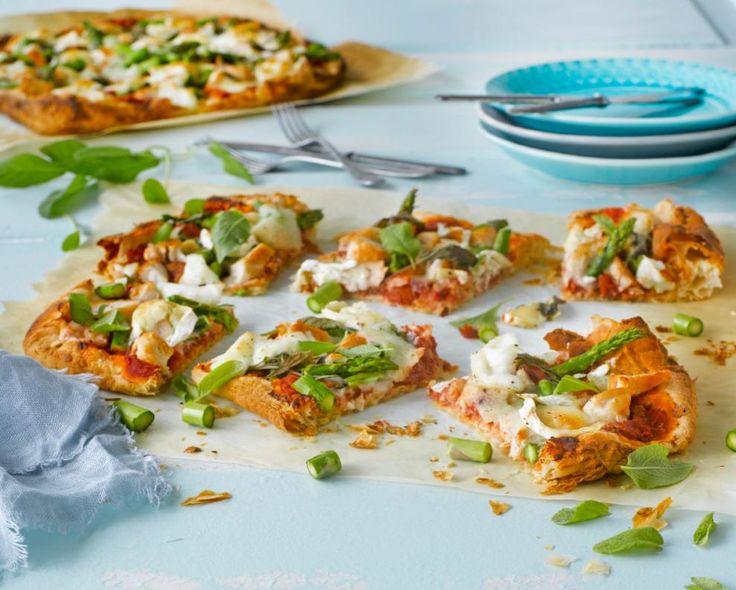 Puffed pizza parsa-broileritäytteellä