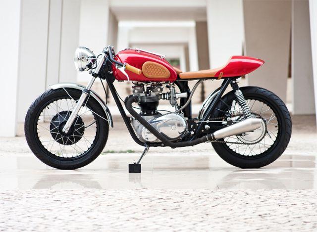 Deze Triumph uit 1972 bewijst dat stijl toch te koop is  - Esquire.nl