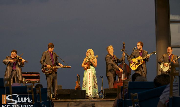 An amazing Columbus Day Weekend on the Outer Banks. Rhonda Vincenet and the Rage Saturday night and the Duck Jazz Festival on Sunday. http://www.northbeachsun.com/outer-banks-discovering-columbus-day-weekend/