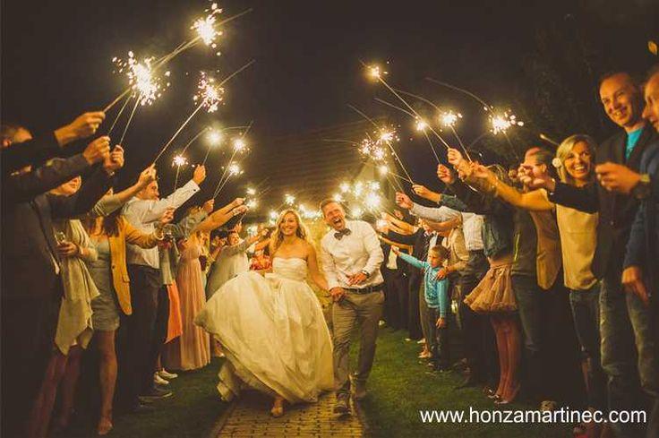 Svatební prskavky - rozzáření svatební špalír. Užijte si to při záři 90cm. Wedding Sparklers.