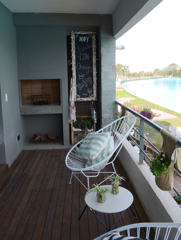 Balcón con vista a la Crystal Lagoon.