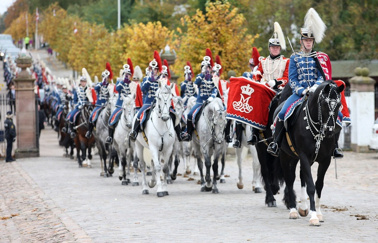 The mounted escort on its way up to Fredensborg Balace with the Sovereign and the president of Slovakia. Oct 23, 2012.