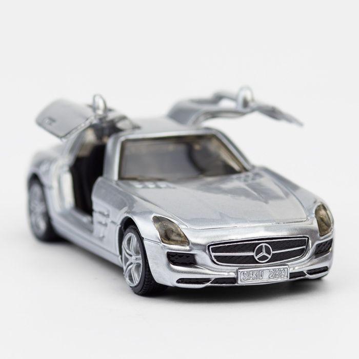 #Siku Modell 1445 - #Mercedes Benz SLS  - Da gehen einem doch glatt die Flügeltüren auf - http://www.echtkind.de/fahrzeuge/siku/siku-standard/siku-mercedes-benz-sls-silber-1445.html