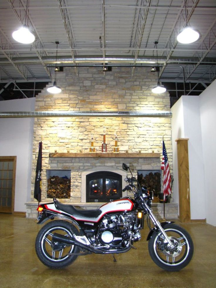 1984 Honda SABRE 700 VF700S SABRE 700 VF700S - Click to see full-size photo viewer