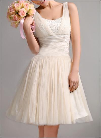 Kurzes Brautkleid aus Tüll WD460