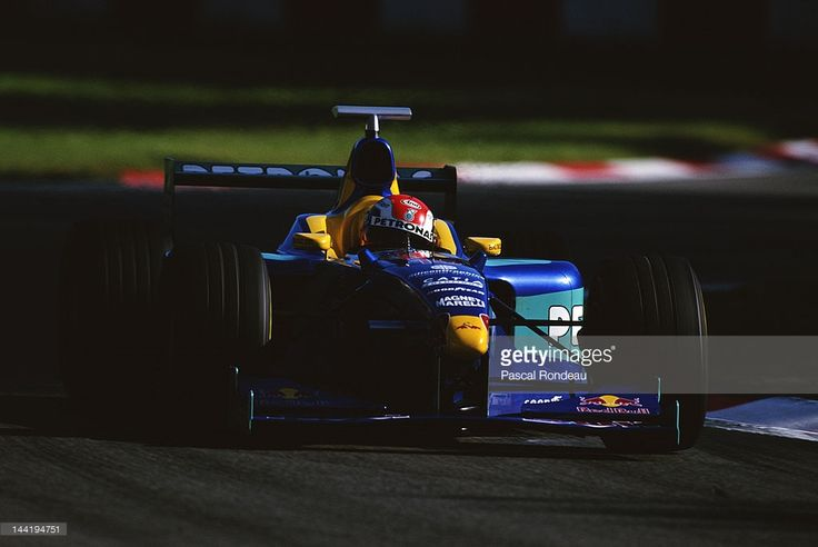 Johnny Herbert of Great Britain drives the #15 Red Bull Sauber Petronas Sauber C17 Petronas V10 during the Italian Grand Prix on 13th September 1998 at the Autodromo Nazionale Monza near Monza, Italy.