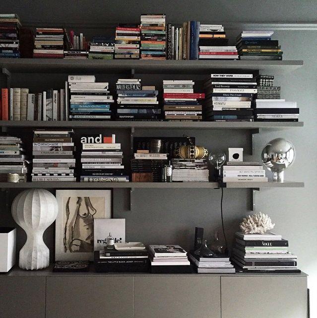 Lotta Agaton's bookshelf