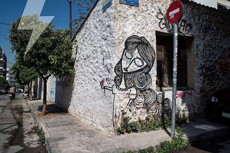 Βόλτα με ήλιο στα στενά του κέντρου. Streetart από τον Sonke στο Γκάζι. #streetart #graffiti #sonke #urban #athens #athensstreetart #inexarchiagr (at Athens, Greece)