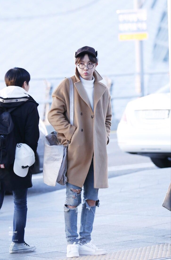 J Hopes Airport Fashion Bts Jhope Bts Pinterest Airport Fashion Kpop Fashion And