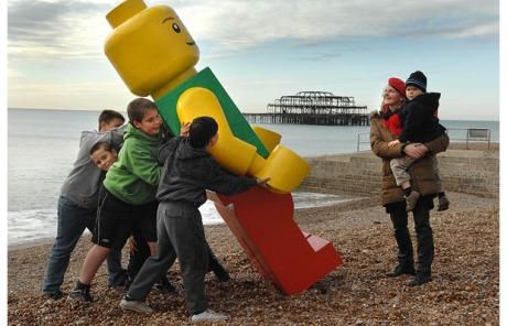 Google Image Result for http://i.telegraph.co.uk/multimedia/archive/01017/lego-man-brighton_1017813c.jpg