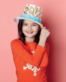 How to make your own New Year's Eve party hats.