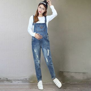 Buy Mamaladies Washed Distressed Maternity Jumper Jeans at YesStyle.com! Quality products at remarkable prices. FREE WORLDWIDE SHIPPING on orders over Mex$ 800.