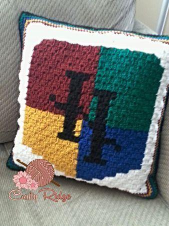 Crafty Ridge Harry Potter Pillow Pattern Freebie                                                                                                                                                                                 More