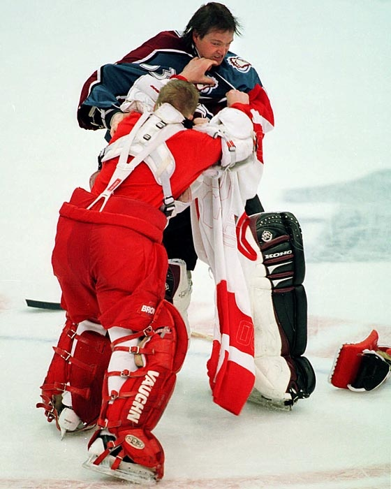 Nothing better than a hockey fight between goalies!! Patrick Roy vs. Chris Osgood  - April 1, 1998