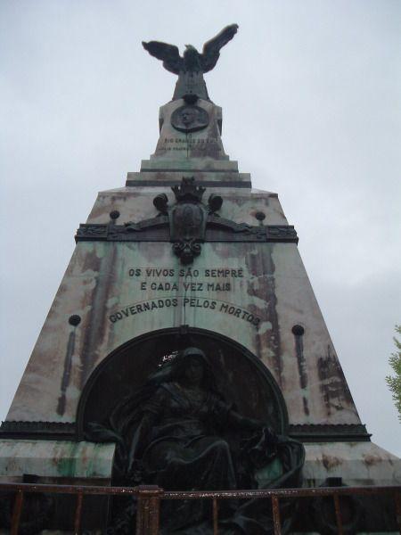 Detalhes do Túmulo do Dr. Júlio Prates de Castilhos