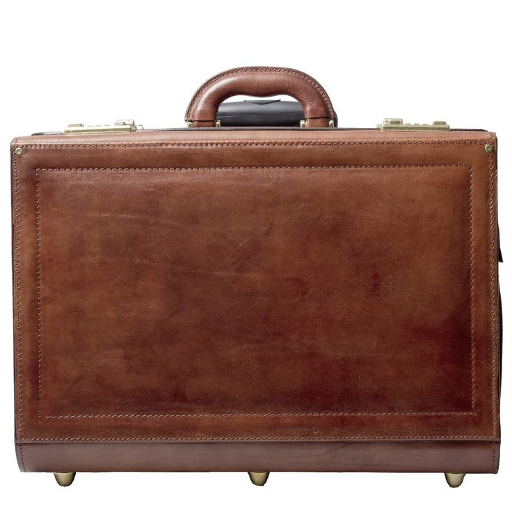 The VareseW flight case with wheels, just makes you want to go international!