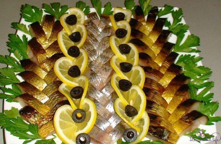 Привет, читатели! Сегодня мы покажем как можно оригинально и красиво украсить блюда к праздничному столу!!! Хозяйки, берите на заметку! Источник Загрузка...