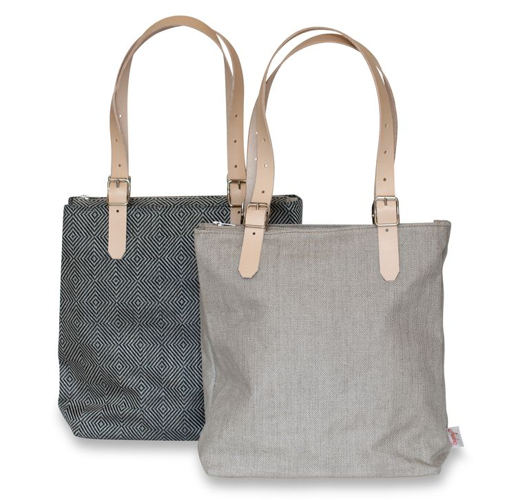Bags made of linen from Växbo Lin, leather from Tärnsjö Garveri. Everything is made in sweden. Available at the webshop www.vaxbolin.se