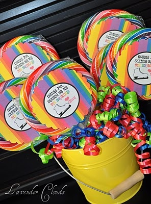 Adorable lollipops for favors or small gifts