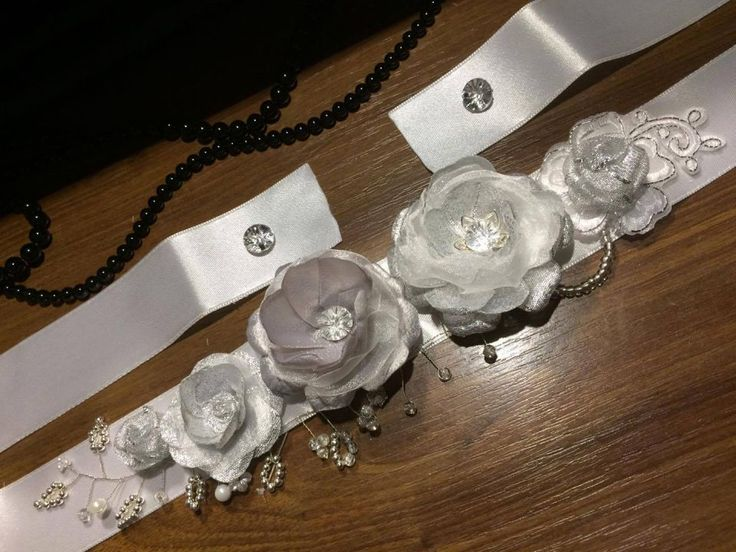 Brau elegant, argintiu cu perle, margele argntii si transparente, dantela si Swarowski dantela ivory / cordon elegant / curea rochie