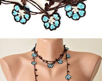 Abrigo turquesa collar Lariat con cuentas de Oyá, Crochet envoltura collar, joyas de ganchillo, collar de flores, regalo mujer, regalo de Navidad, ReddApple